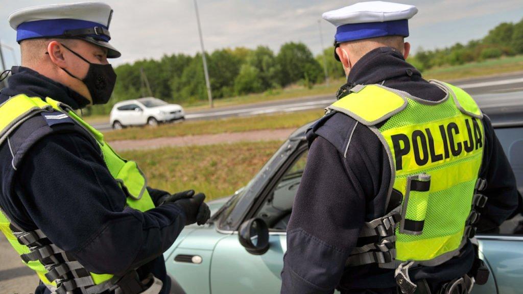 Zatrzymał pijanego kierowcę, sam był poszukiwany.