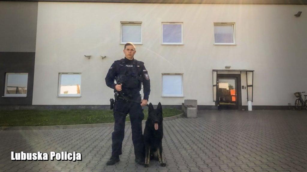 policjant po służbie