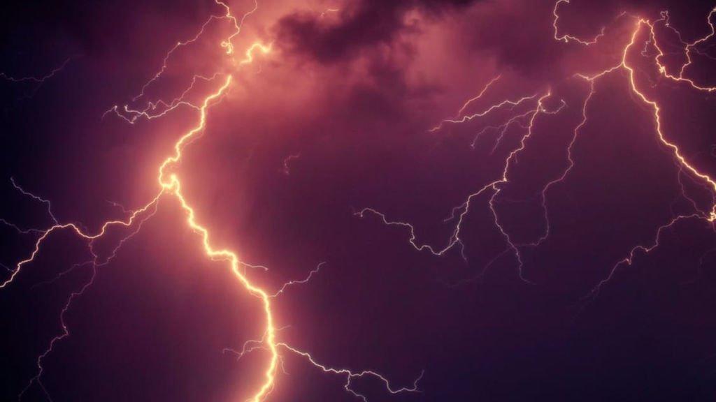 Uwaga na burze z gradem. Ostrzeżenie wydano dla całego województwa 1