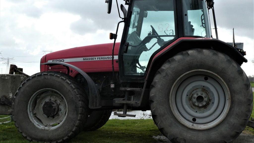 ukradł części do traktora