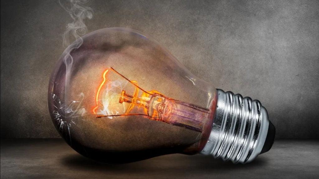 Planowane przerwy w dostawach prądu. Sporo wyłączeń w całym regionie 1
