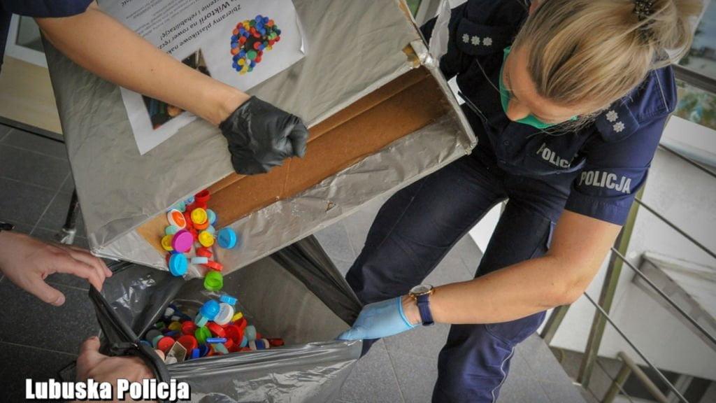 policjantki pomagają
