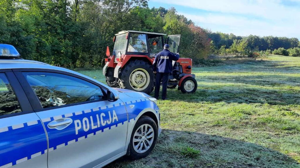 ucieczka traktorem