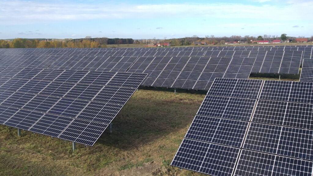 Farmy słoneczne w Lutolu koło Lubska