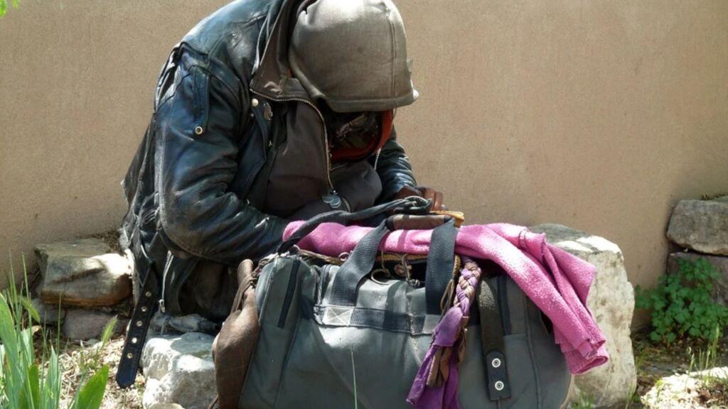 Jak pomóc bezdomnym i potrzebującym?