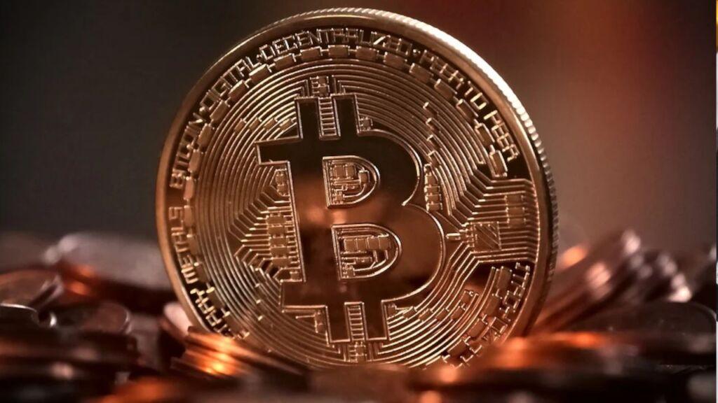 Chciał inwestować w Bitcoin a stracił 70 tys. zł