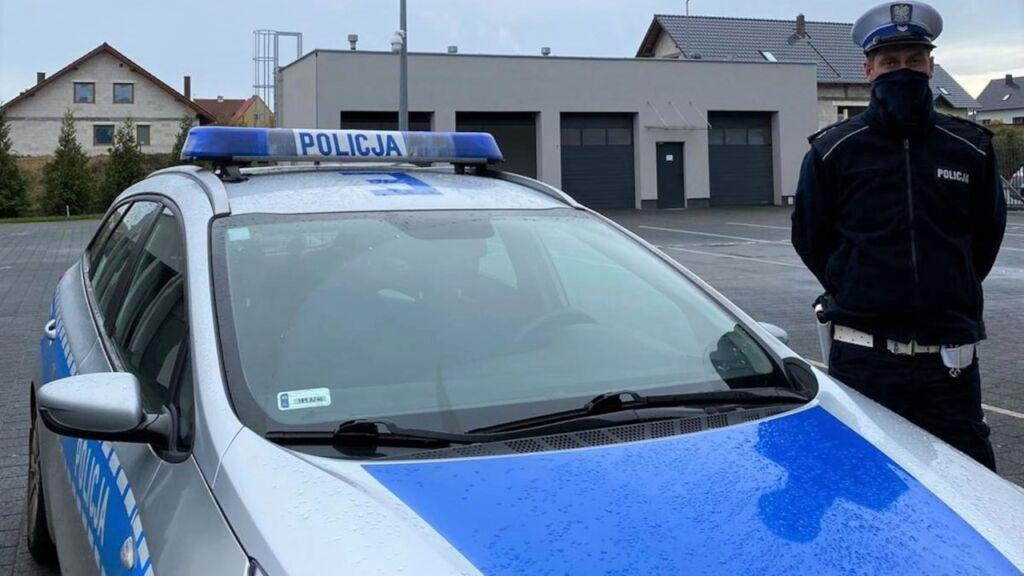 Policyjna eskorta rodzącej kobiety