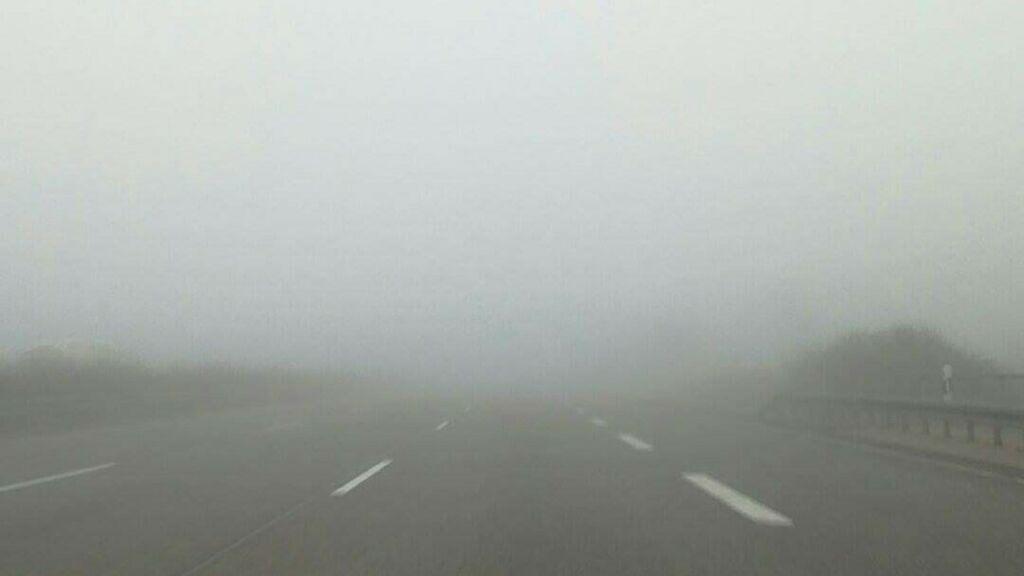 Uwaga na gęste mgły w Lubuskiem 9/10.11. Widoczność spadnie do 100 m