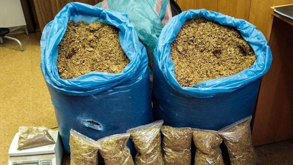 Kryminalni i KAS zabezpieczyli nielegalny tytoń w Skwierzynie