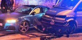 wypadek w Żarach, 19-latek staranował radiowóz na policyjnej blokadzie