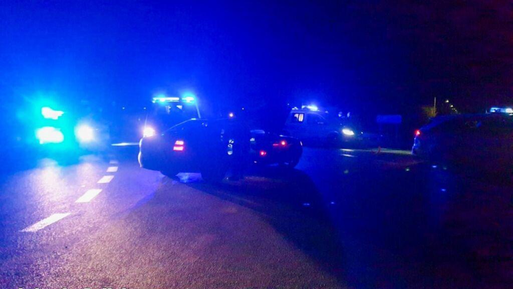 Staranował radiowóz i uwięził pasażerkę. 27-latek uciekał policji przez dwa powiaty