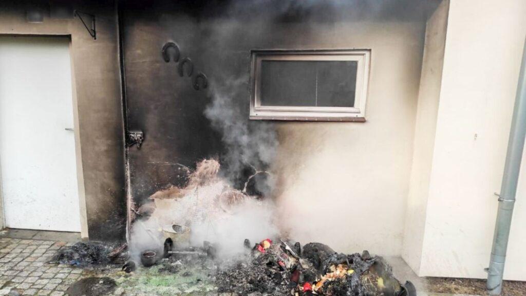 Skakał przez płoty żeby ugasić pożar w Nowym Miasteczku