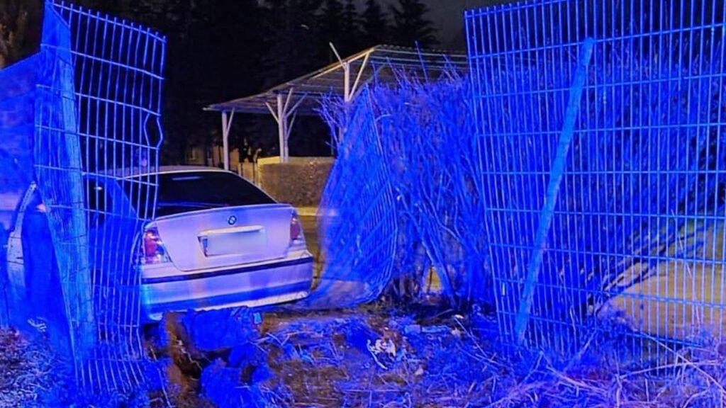 """BMW wpadło na teren jednostki wojskowej, za kierownicą pijany 33-latek. Jeździli """"dla zabawy"""""""