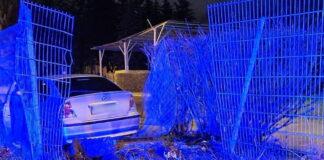 BMW uszkodziło płot jednostki wojskowej