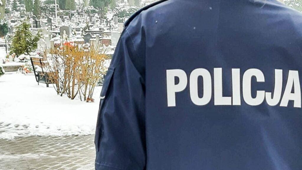 Chuligani zdewastowali groby. Trzech nastolatków odpowie za zniszczenie 16 nagrobków