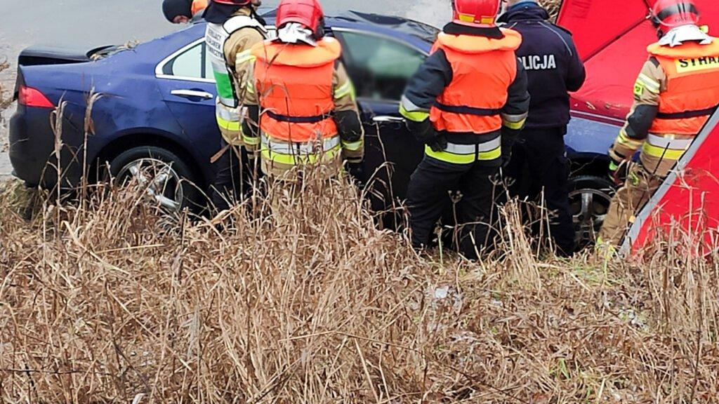 Honda wjechała do Warty w Gorzowie Wielkopolskim. W środku znaleziono ciało
