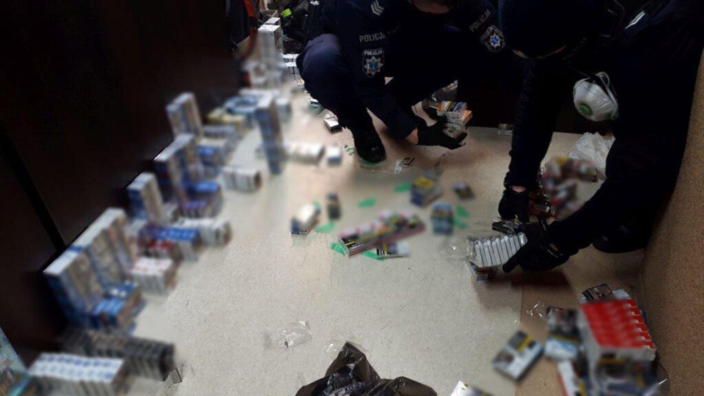 Włamał się do sklepu aby zatrzeć ślady ukradł kamerę monitoringu. Towaru o wartości 10 tys. zł nawet nie zdążył ukryć