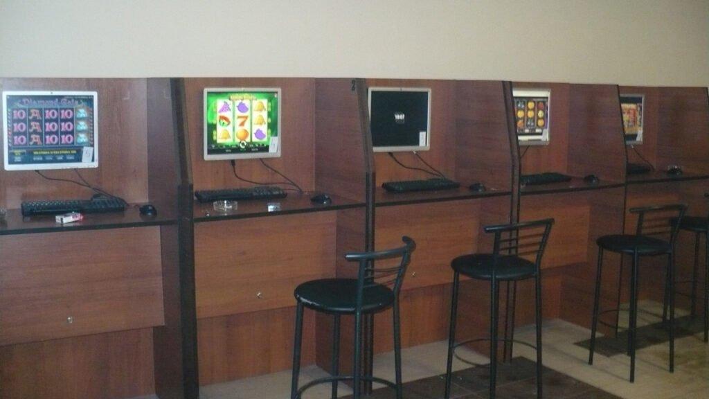 Nielegalny hazard w Gorzowie. Kafejkę obsługiwała Ukrainka pracująca w Polsce nielegalnie
