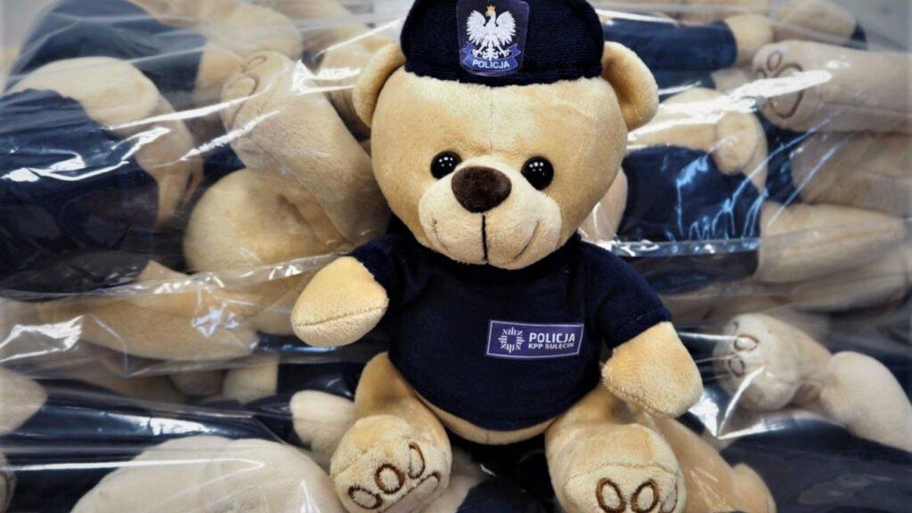 Pilotażowa akcja policji - miś policjant na stres
