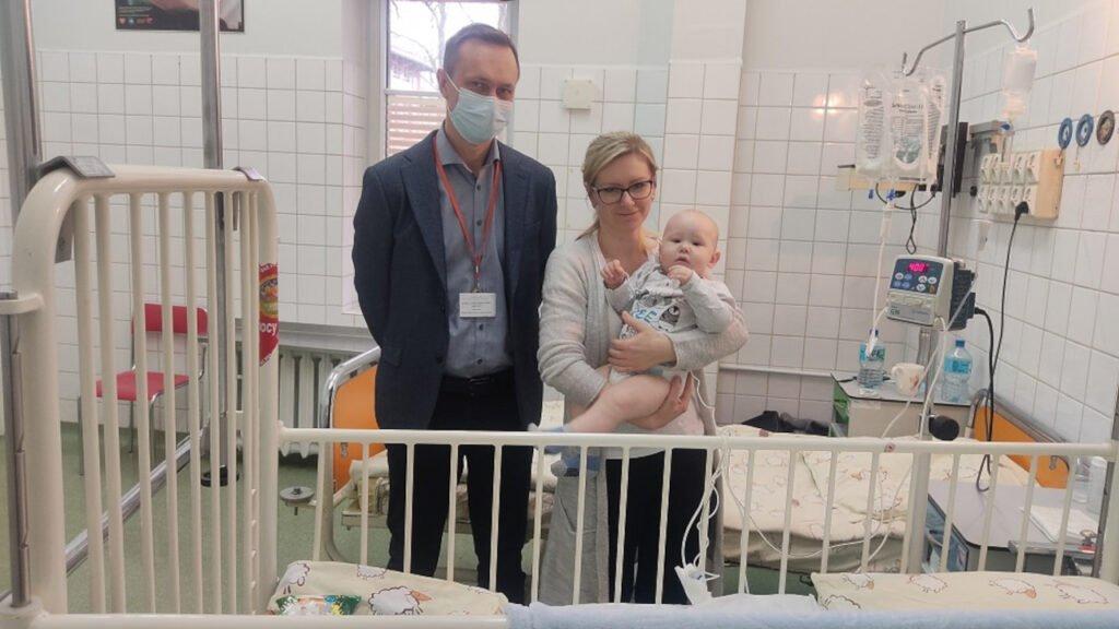 Operacja małego Joachima trwała ponad 5 godzin. Chłopiec cierpiał na ciężką postać choroby Hirschsprunga