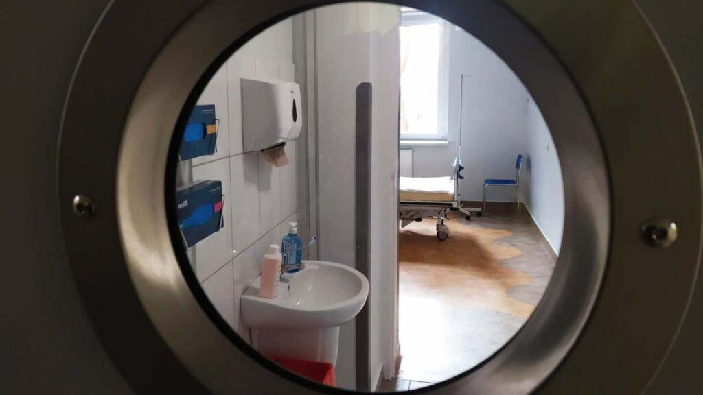 Nowe śluzy oraz izolatki dla pacjentów zakażonych COVID-19 w zielonogórskim szpitalu