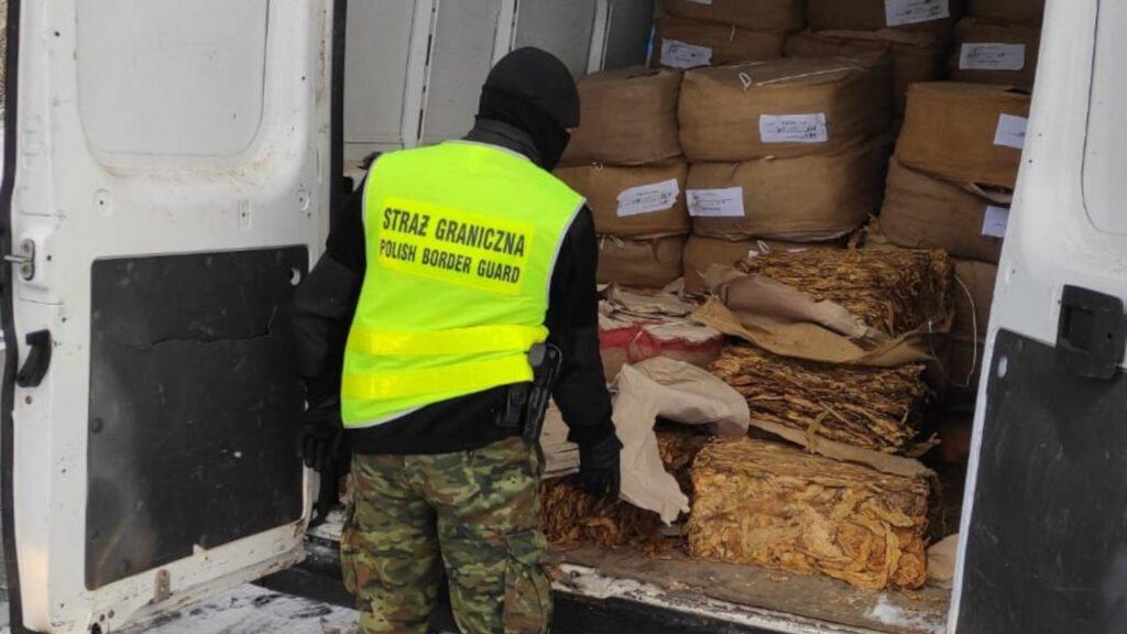 Tuplice: Nielegalny tytoń o wartości 1 mln złotych przechwycony przez Straż Graniczną