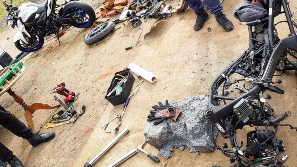 Dziupla motocyklowa w Torzymiu zlikwidowana. Zatrzymano 4 osoby i odzyskano części do motocykli za 180 tys. zł