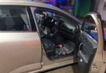 Kierowca zabarykadował się w aucie