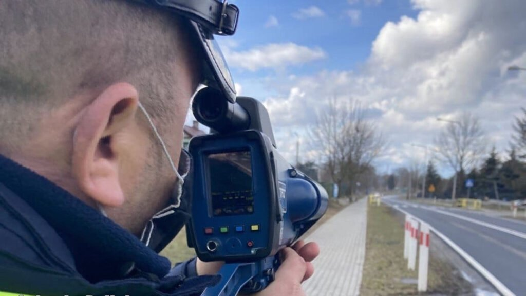 Kaskadowe kontrole prędkości w Żaganiu. Za prędkość zatrzymano prawie 40 kierowców