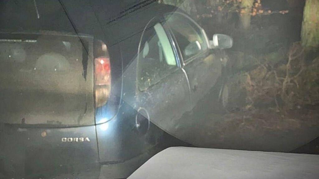 Pościg w Drezdenku zakończony na skarpie. 36-letni kierowca był pijany