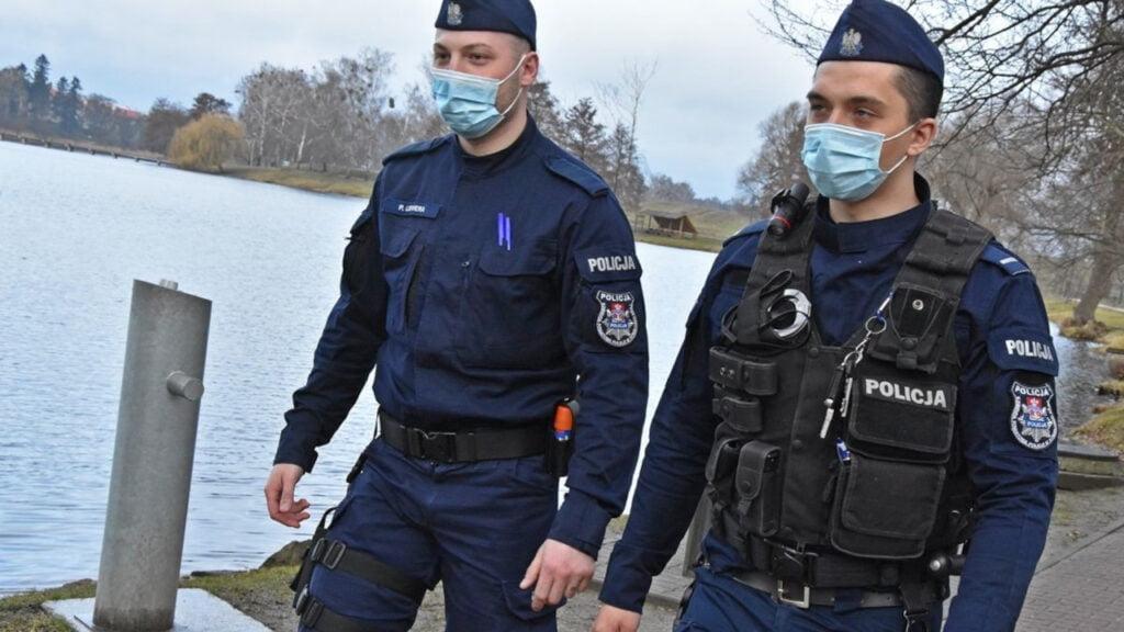 Strzelce Kraj.: Policjanci uratowali tonącego mężczyznę. Radiowóz zatrzymał burmistrz