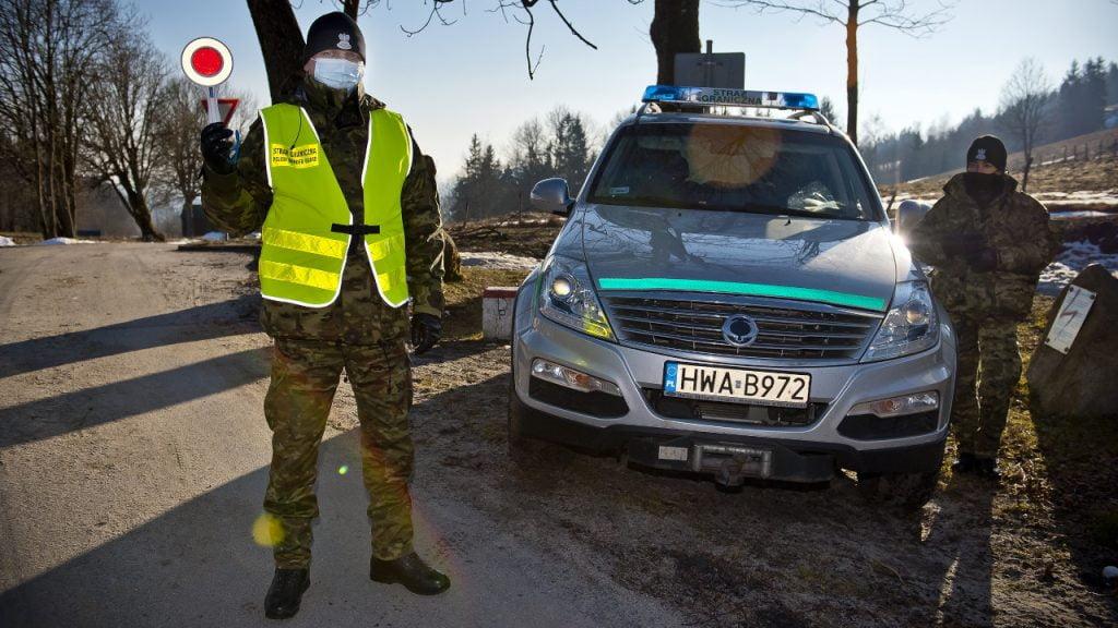 Kontrole sanitarne na granicach. W ciągu tygodnia skontrolowano ponad 50 tys. osób