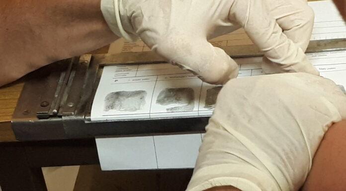 Ściąganie odcisków palców