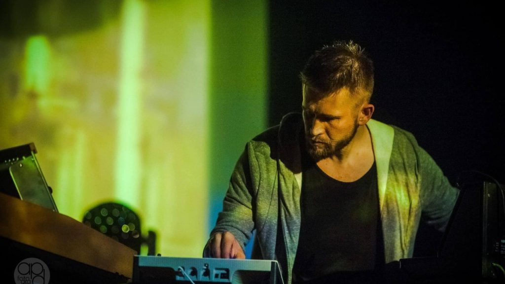 Tomasz Pauszek - kompozytor, producent muzyczny, wykonawca muzyki elektronicznej [wywiad]