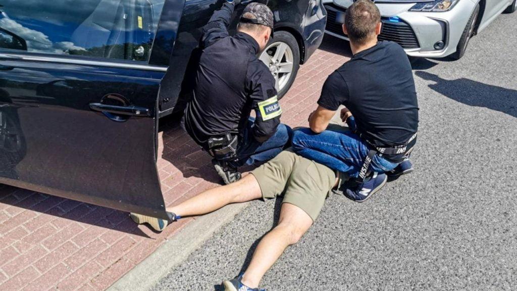 Tytoń bez akcyzy przechwycony przez policję. Kryminalni zabezpieczyli ponad 100 kg towaru