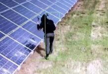 30-latek niszczący panele słoneczne