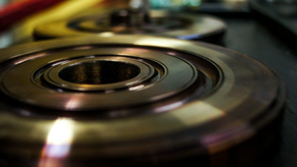 Simmering – jak działają uszczelnienia obrotowe, czym charakteryzują się pierścienie uszczelniające